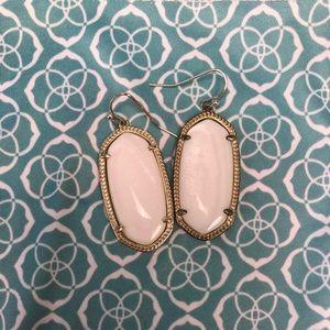 Kendra Scott elle earring in white pearl